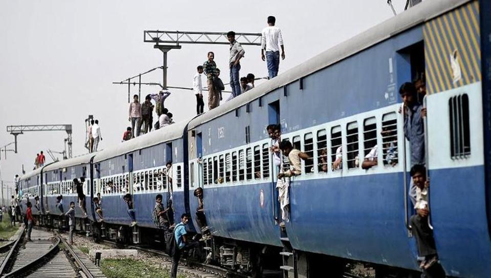 Indian Railways,Train toilets,Chained mugs