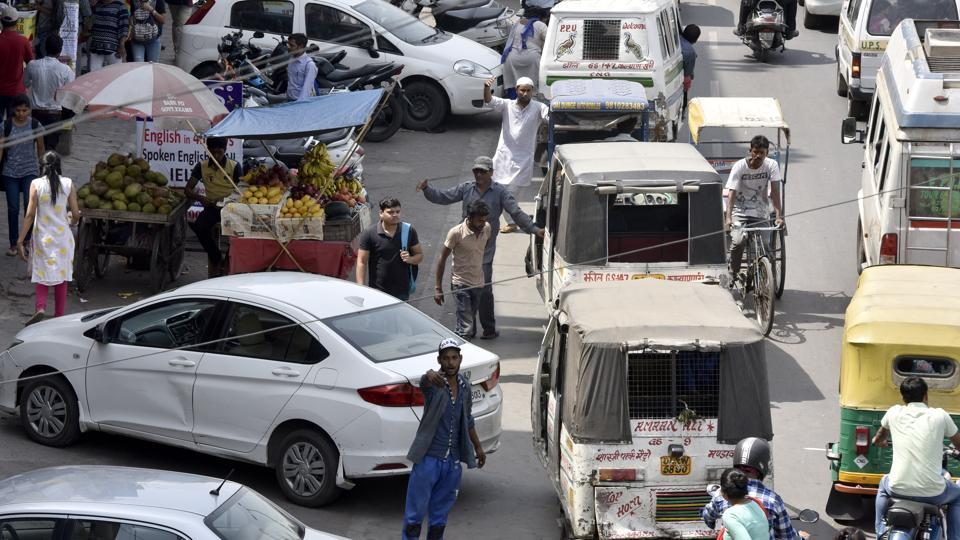 In Delhi, choice between reducing cars or expanding parking slots ...
