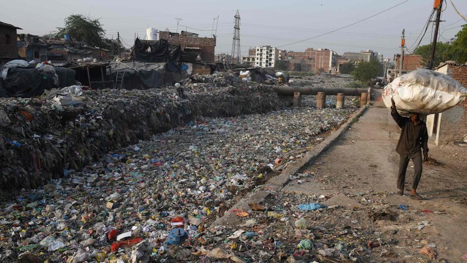 Delhi,plastic waste in Delhi,gutkha wrappers