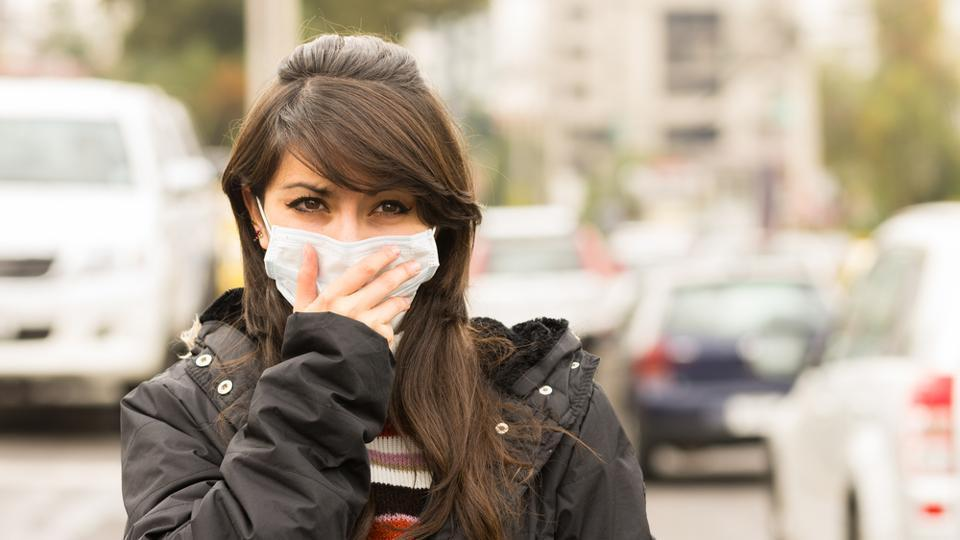 A new study found that 50% of lung cancer patients are non-smokers. Experts say air pollution is contributing to the rise in lung cancer cases.