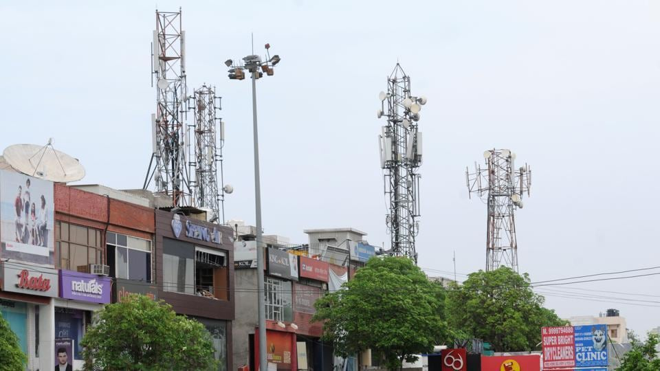 Telecom Minister,mobile services,Mobile towers