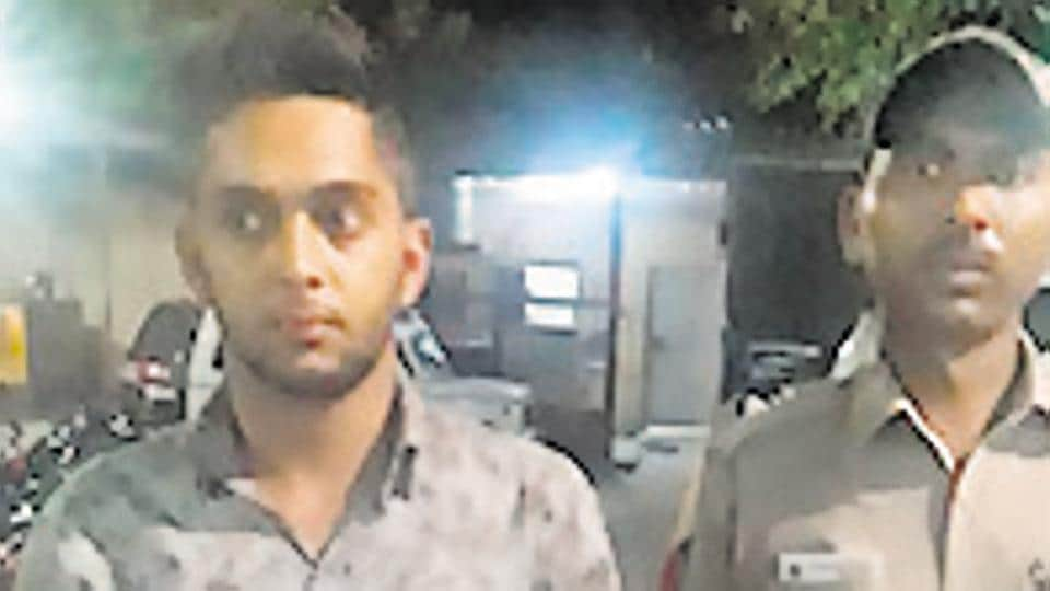 Vaibhav Khurana (left) was arrested for conning the delivery boy of an expensive wristwatch which he had ordered online.