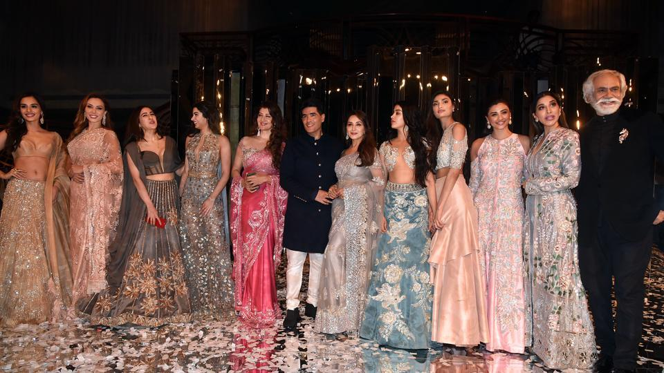 a2d78aefdd2ed Manish Malhotra celebrates Middle-Eastern mystique with his couture ...