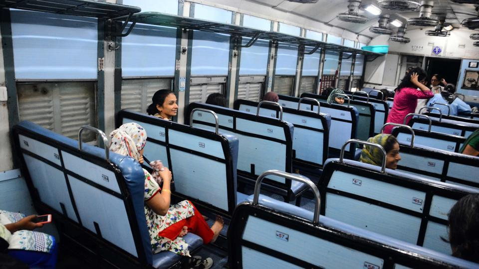 Deccan Queen,off-track,passengers
