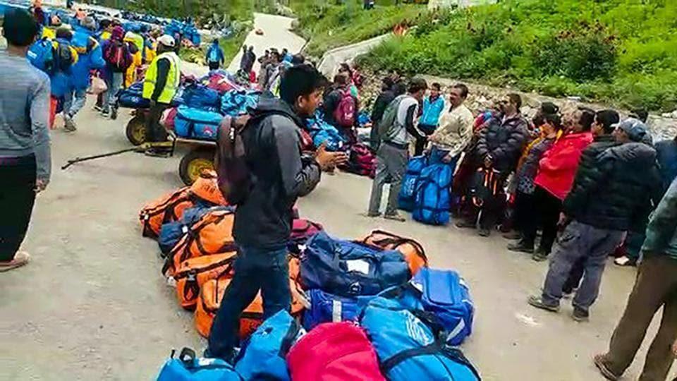 Indian pilgrims in Nepal,Indian pilgrims stranded in Nepal,Indian pilgrims stranded in Humla