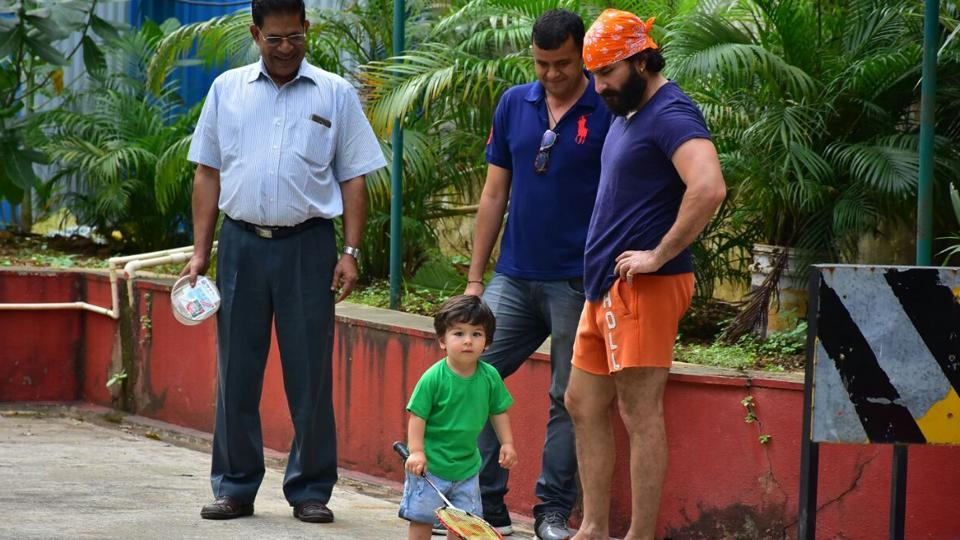 Kareena Kapoor Khan's son Taimur is a favourites of the paparazzi.