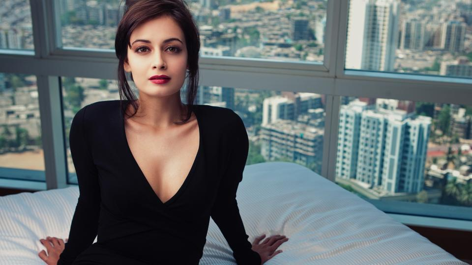 Actor Dia Mirza played the role of Sanjay Dutt s onscreen wife (as  Maanayata Dutt) in Sanju 42a7bb9ca
