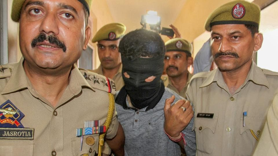 A militant was arrested and eight grenades were recovered from him in Jammu as police foiled a major terror plot to trigger blasts in the state's winter capital, days ahead of the Independence Day. Acting on intelligence inputs, police intercepted a bus in Gandhi Nagar area in Jammu late last night and arrested him. The militant was identified as Arfan Wani. (PTI)