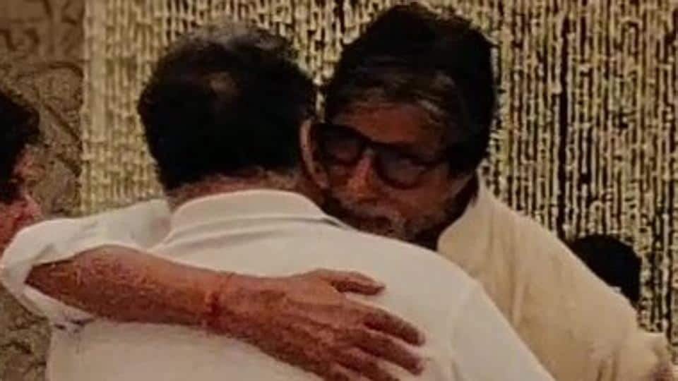 Amitabh Bachchan stocks emotional pix from Shweta's father-in-law Rajan Nanda's prayer meet, pens a philosophical publish