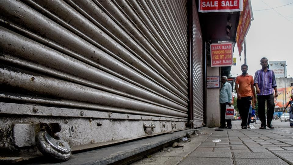 Fearing a violent situation similar to that of Chakan, most commercial establishments remained closed on Laxmi road. (Sanket Wankhade/HT Photo)