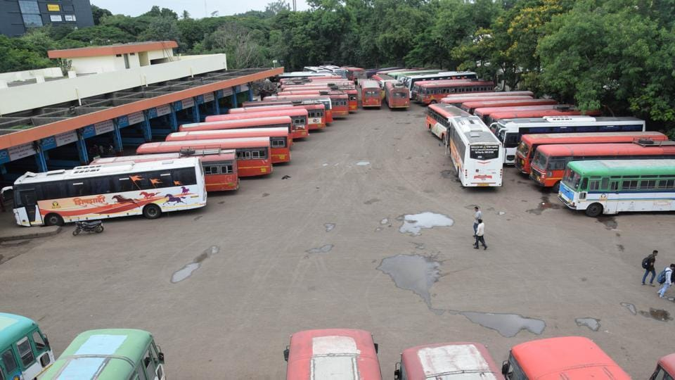 The state transport bus stand in Pimpri Chinchwad municipal corporation remained deserted on Thursday. (HT Photo)