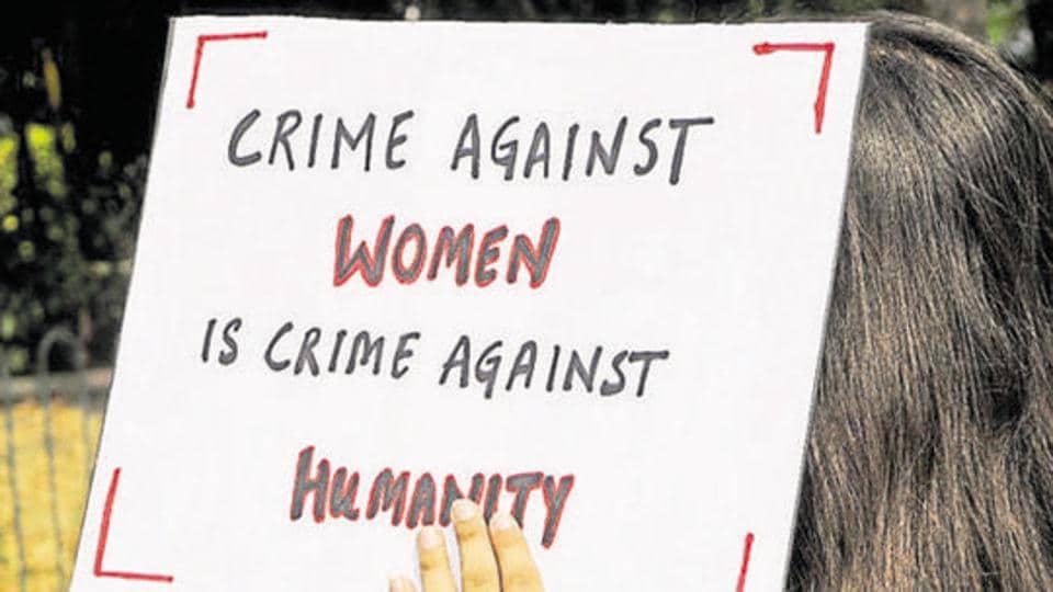 Pune,Constable,Molest