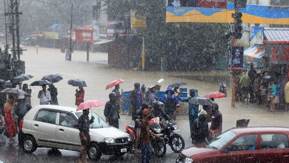 Several stranded at  a flooded junction following a flash flood at Palakkad in Kerala  (PTI)
