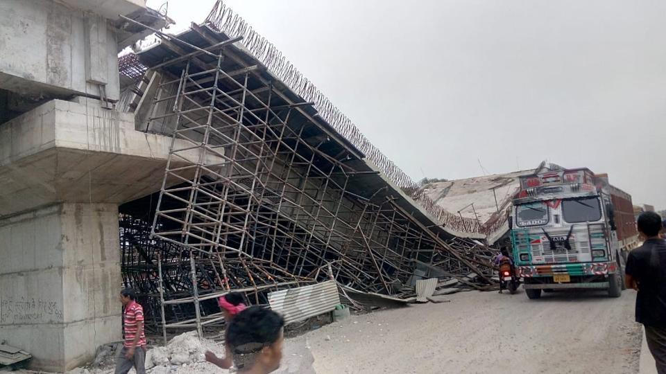 UP flyover collapse,Basti flyover collapse,Under contrsruction flyover collapses