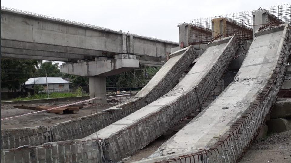 Siliguri flyover collapse,east-west flyover,east-west corridor