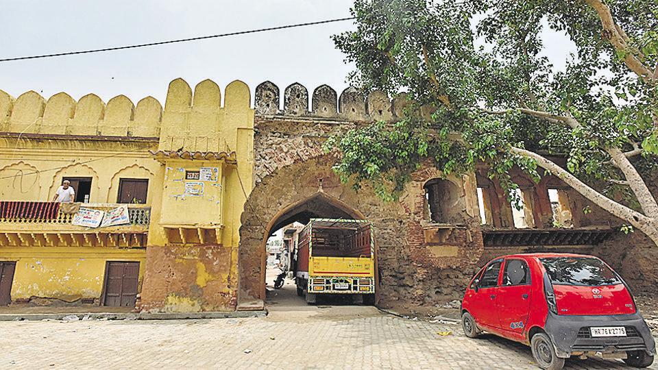Gurugram,Heritage structures,Dilapidated