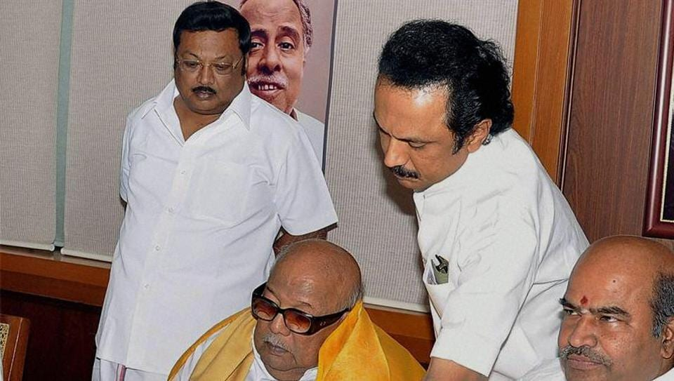 MK Azhagiri (left) with late DMK supremo M Karunanidhi, and his brother and party's working president MK Stalin.