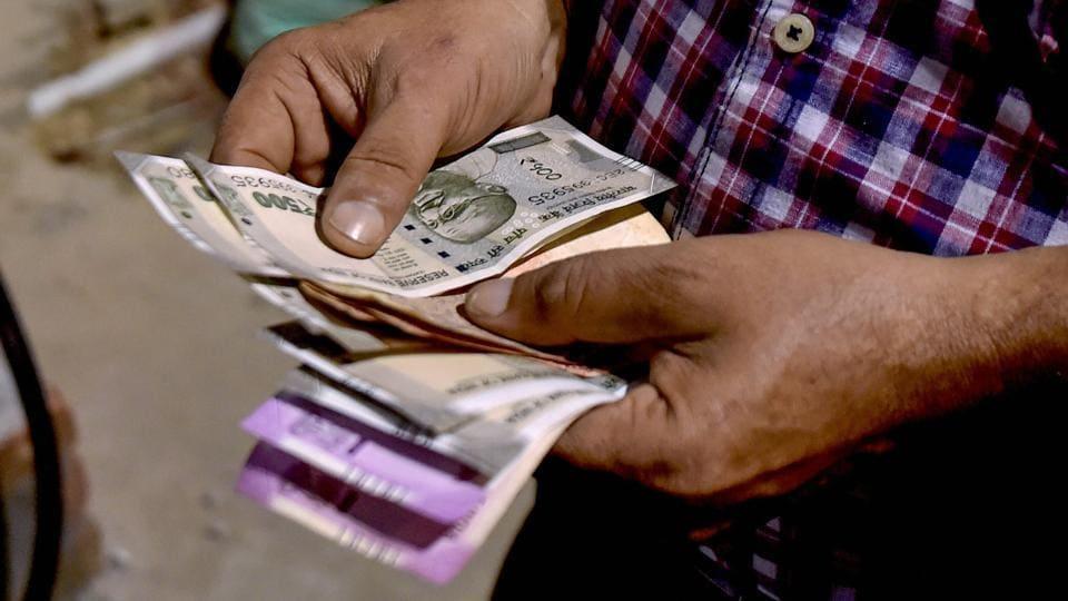 falling rupee,price elasticity,imports