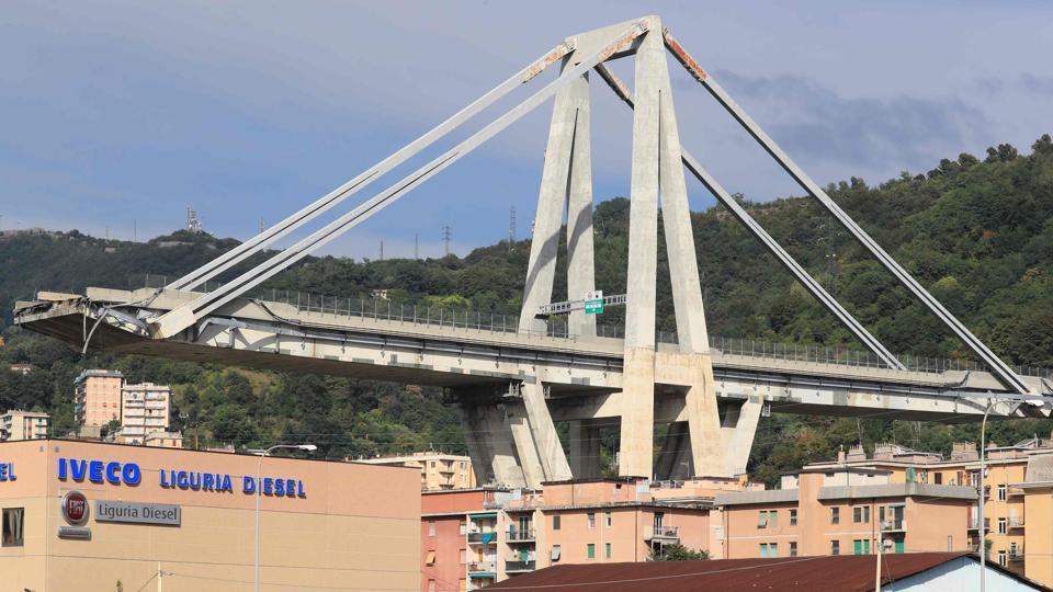 bridge collapse in Italy's Genoa,Italy bridge collapse,Genoa