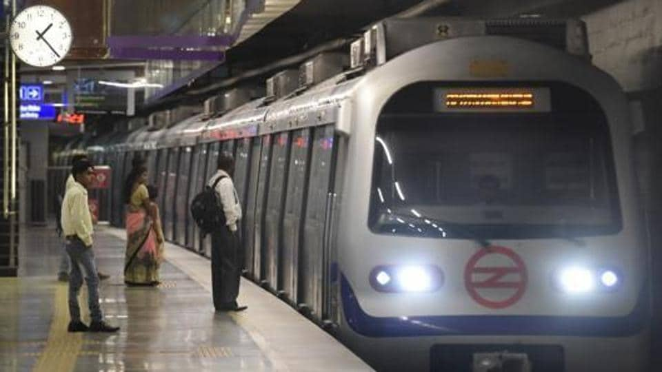 Independence Day,Metro services,Violet line