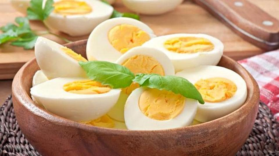 Eggs are also a great source of Vitamin B complex, Vitamin D, B6, B12 and several minerals. They also keep you satiated which helps in weight loss.