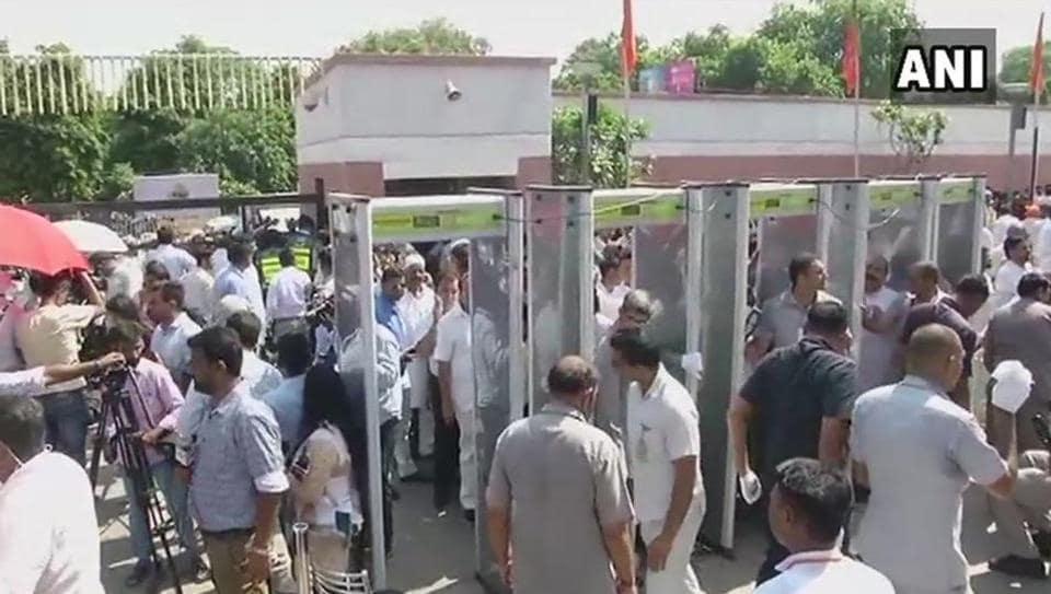 atal bihari vajpayee,delhi traffic,BJP