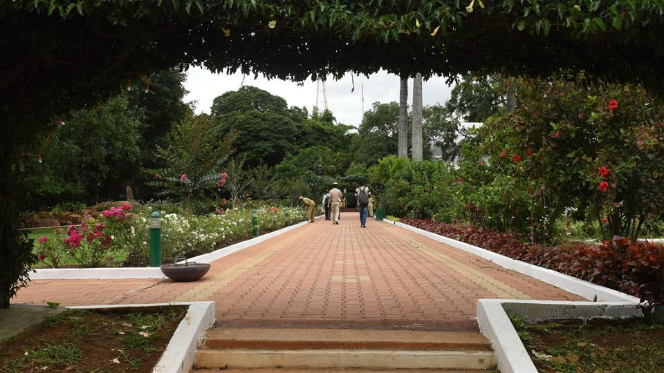 A view of the walkway through the gardens. The Residency garden at one time had about 3400 potted plants. Of these, the biggest collection was that of crotons followed by those of foliage plants, ferns and roses. This tradition is maintained even today. (Arijit Sen / HT Photo)