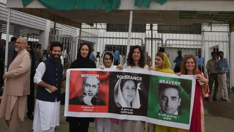 Pakistan,Imran Khan,Bilawal Butto
