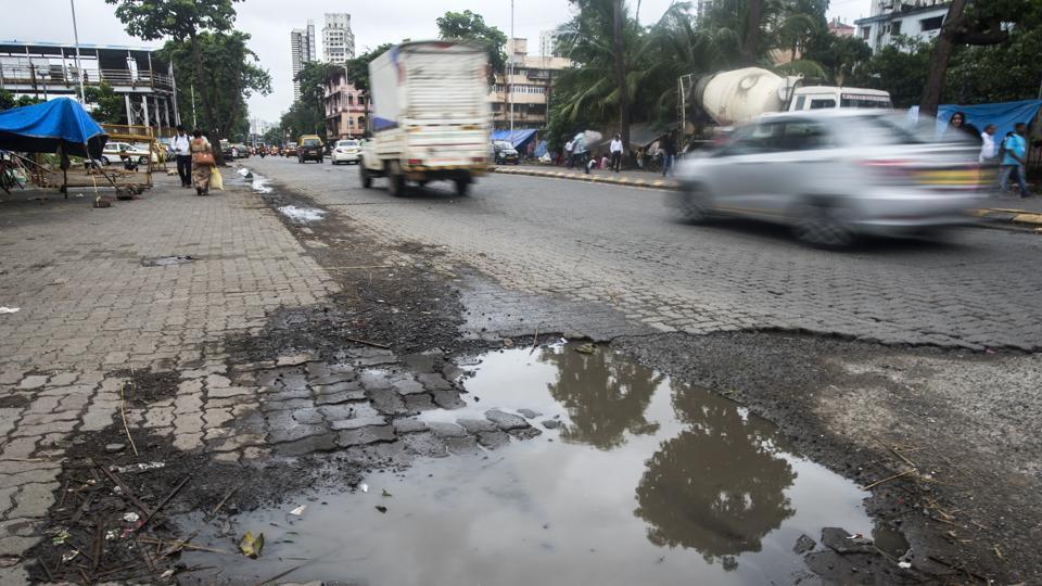 potholes,mumbai potholes,pothole BMC