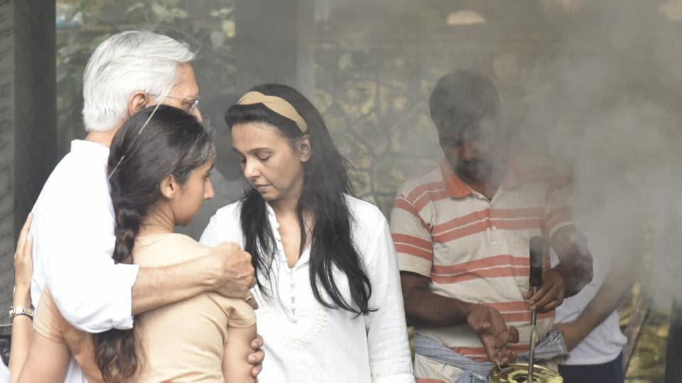 Sujata Kumar,Suchitra Krishnamoorthi,Kritika