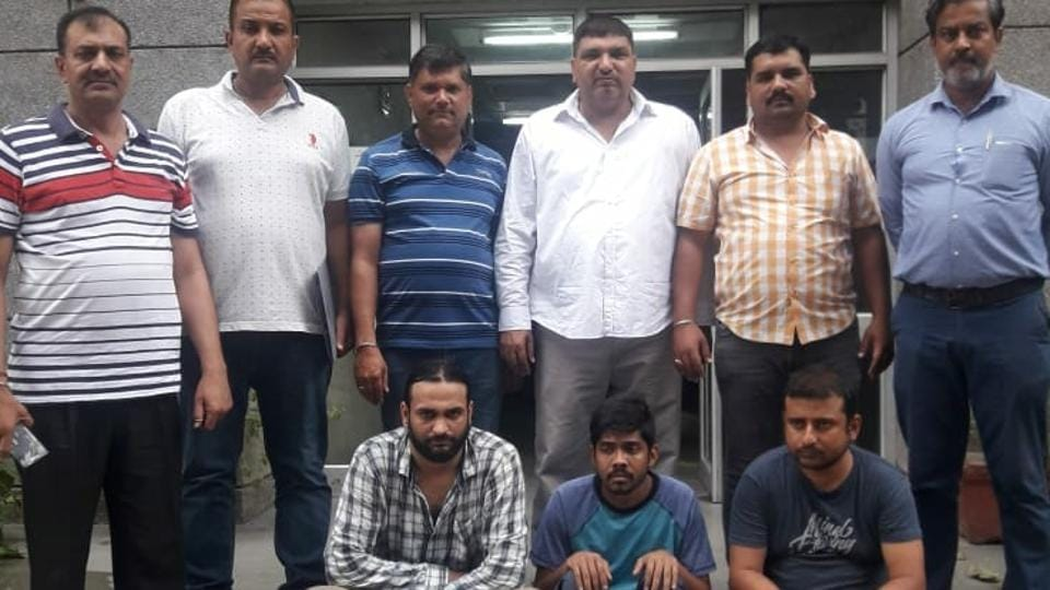 delhi,delhi police,fake job racket busted in Delhi