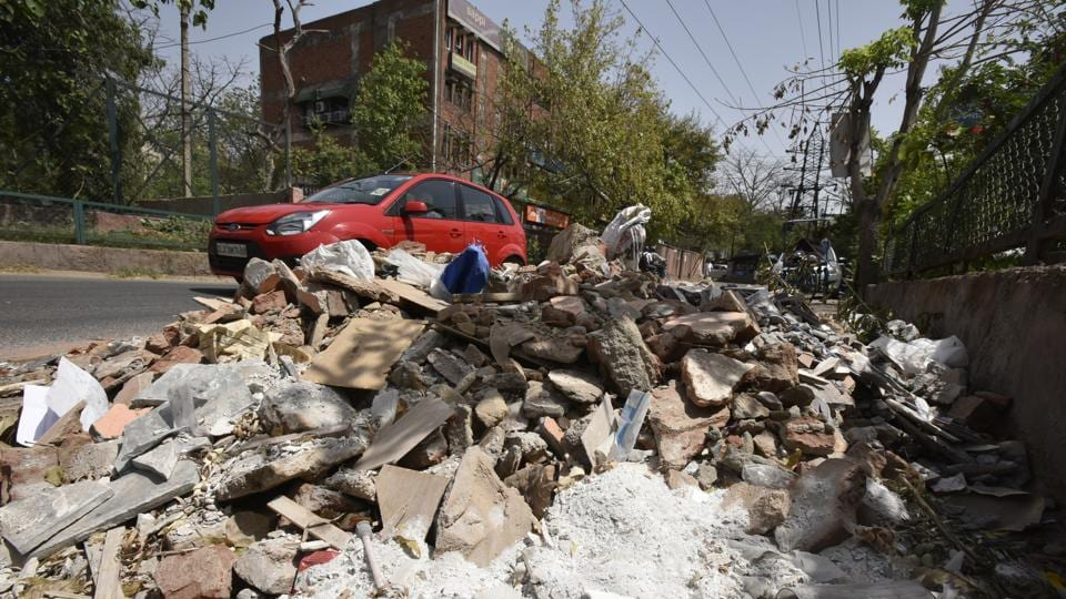 funds,debris,South Delhi Municipal Corporation