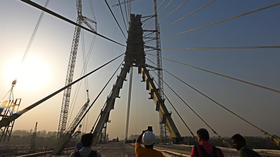 Govt Looks To Develop Tourist Hub At Signature Bridge Offering