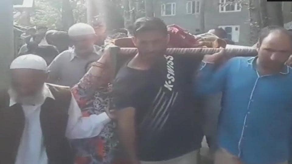 Eid prayer,Kulgam,Kashmir policeman killed
