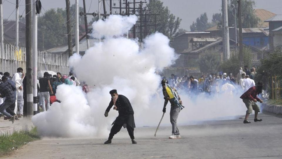 Eid in Kashmir,Clashes in Kashmir,Anantnag