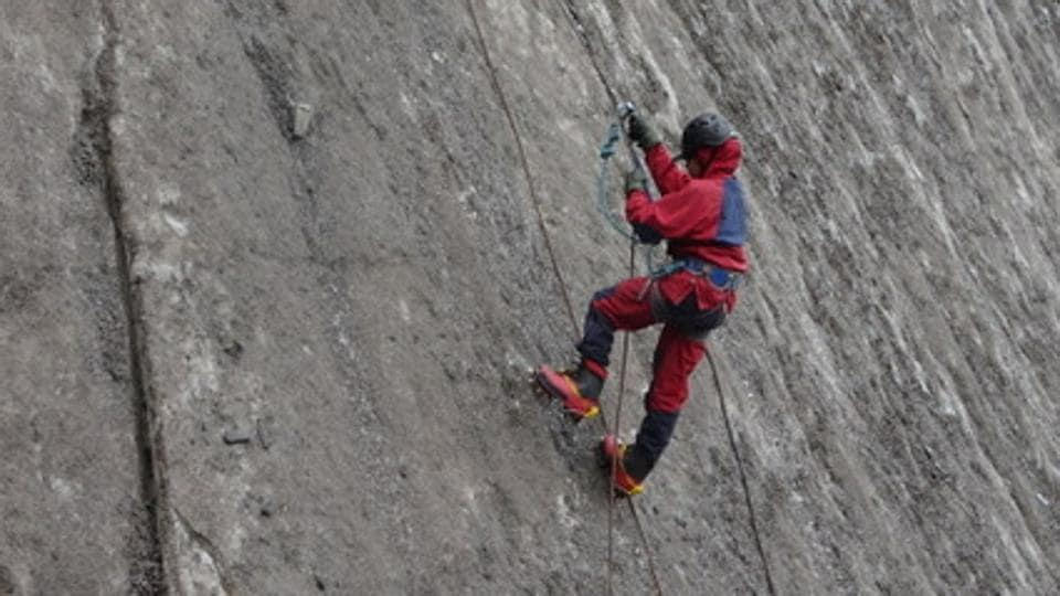 Mountaineering Course,Mountain Climbing,Best Mounatineering Course In India