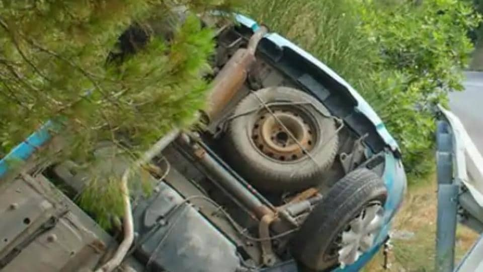 The accident took place in  Nankhari's Dona, about 115km from Shimla, late on Thursday.