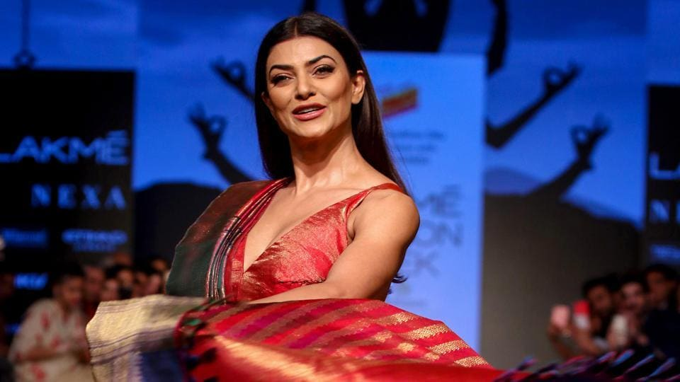 Sushmita Sen channels her inner Miss Universe as she walks the ramp at Lakme Fashion Week. See pics | Bollywood - Hindustan Times