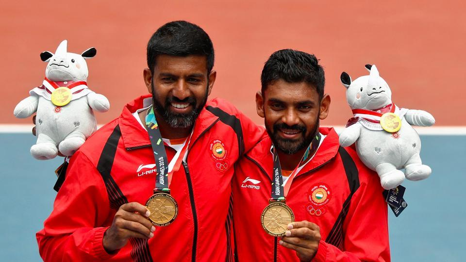 Rohan Bopanna (L) and Divij Sharan (R) clinched another medal for India at the Asian Games 2018 and the first one in tennis, winning the gold medal after beating the Kazakhstan pair of Aleksandr Bublik and Denis Yevseyev. They cruised to a 6-3, 6-4 win in just 52 minutes. (Edgar Su / REUTERS)