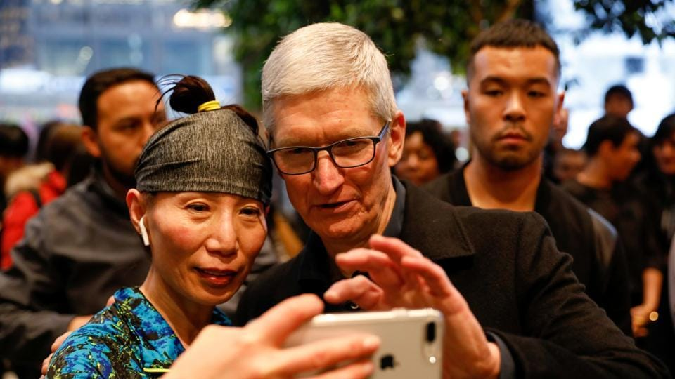 tim cook education,tim cook family,tim cook net worth