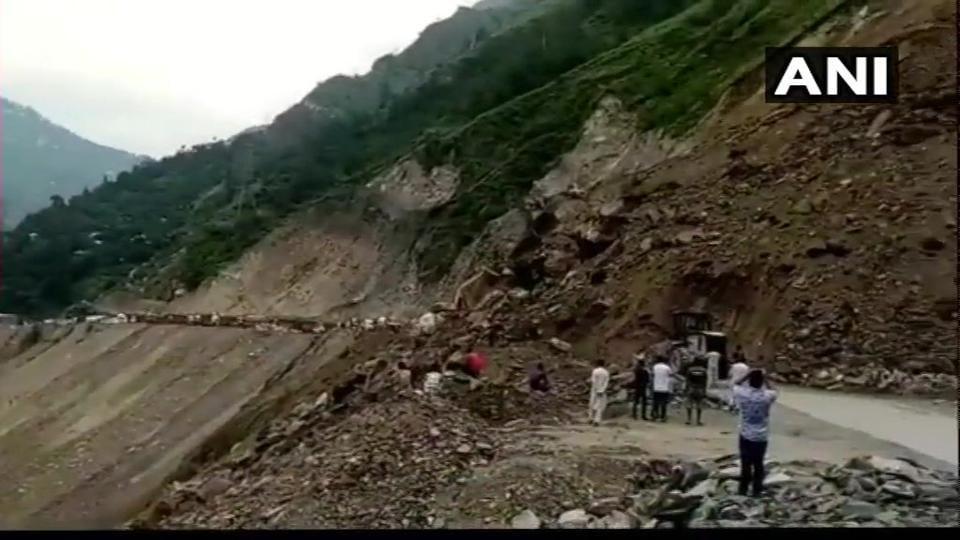 Jammu-Srinagar national highway,Jammu-Srinagar NH,landslide in Ramban