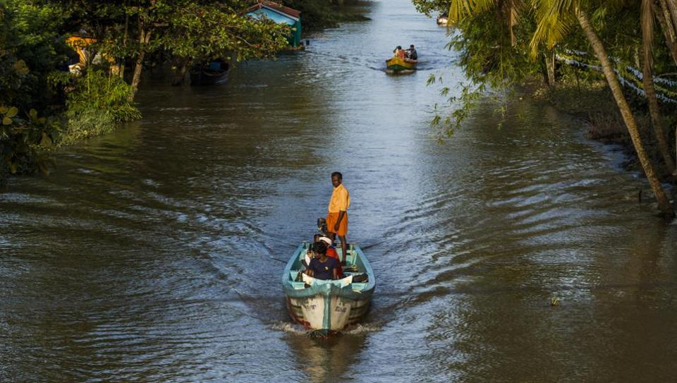 Kerala floods,kerala flood relief,pinarayi vijayan