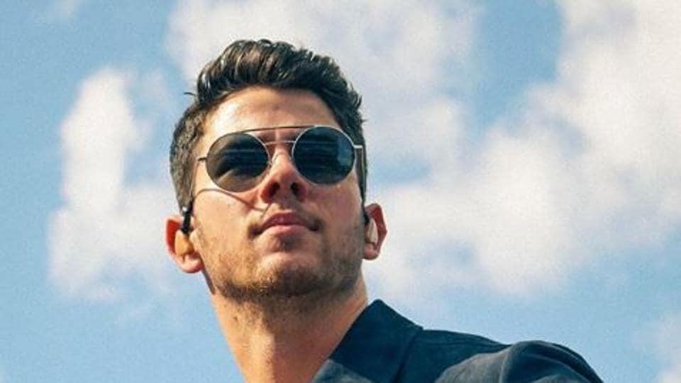 Nick Jonas,Right Now,Priyanka Chopra