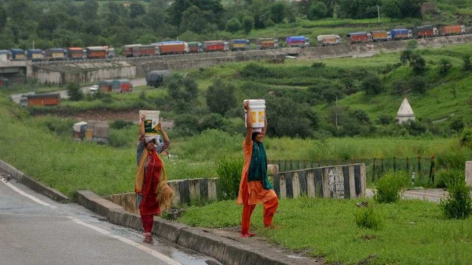 Jammu Srinagar Highway Closed For Second Day As Rain Hampers Clearance Ops