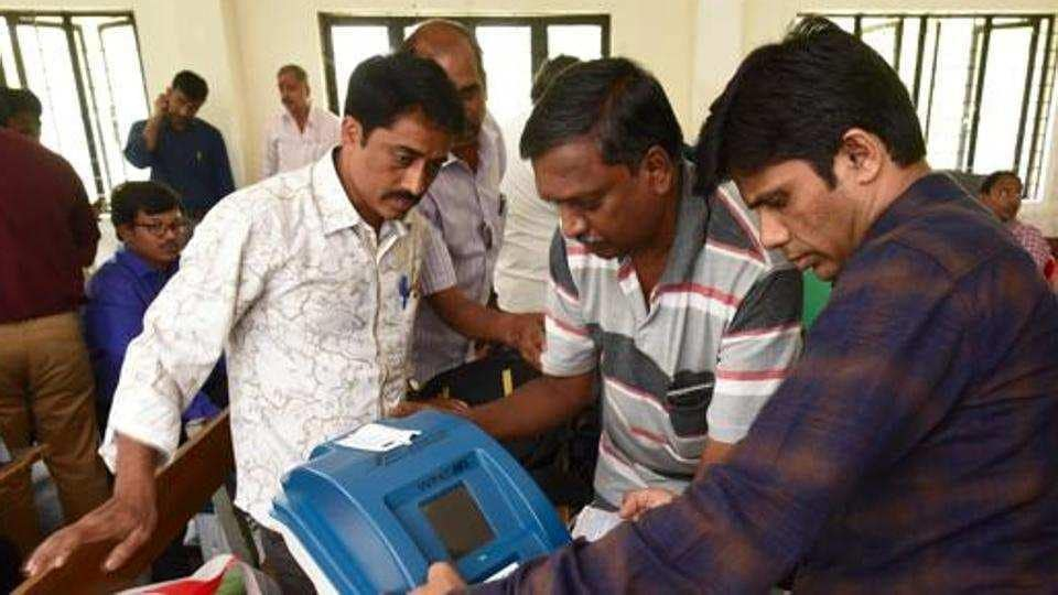 Paper ballots,Election Commission,Congress