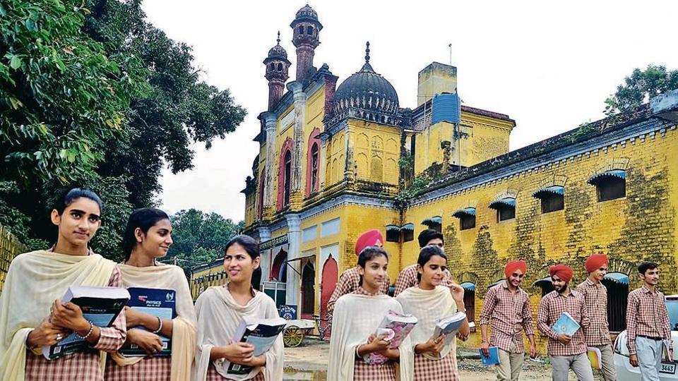 Punjab,Kalaswala Khalsa School,empowerment