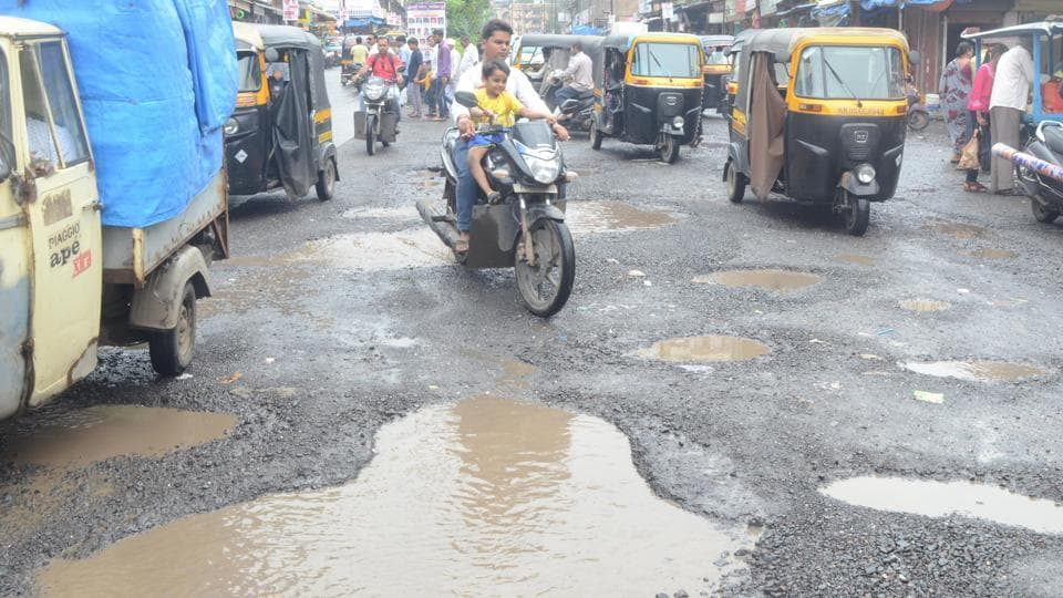 Pothole,BJP,Leader