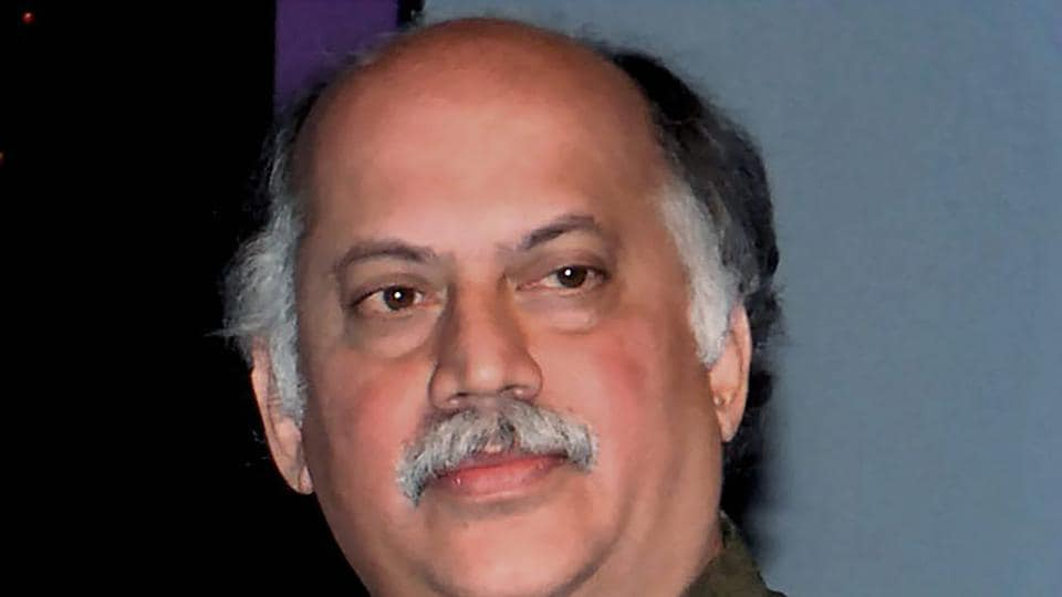 Senior Congress leader Gurudas Kamat's death has come at a crucial time for the Congress, which needed him for next year's Lok Sabha and assembly elections.
