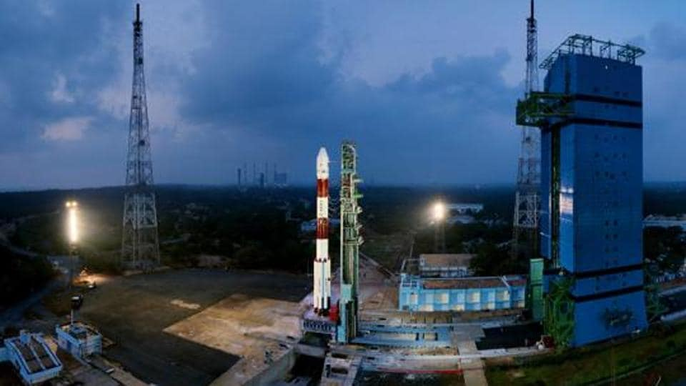 Isro in quest of three astronauts for manned mission