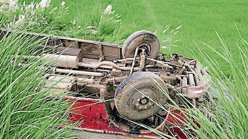 Around 5am, a UPSRTC bus lost balance on the Dadri Kot Luharli highway, skidded into a field and then turned upside down.